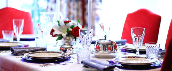 Dining-Room_9116-700x292